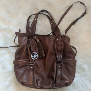 Awesome oversized mk bag with crossbody strap
